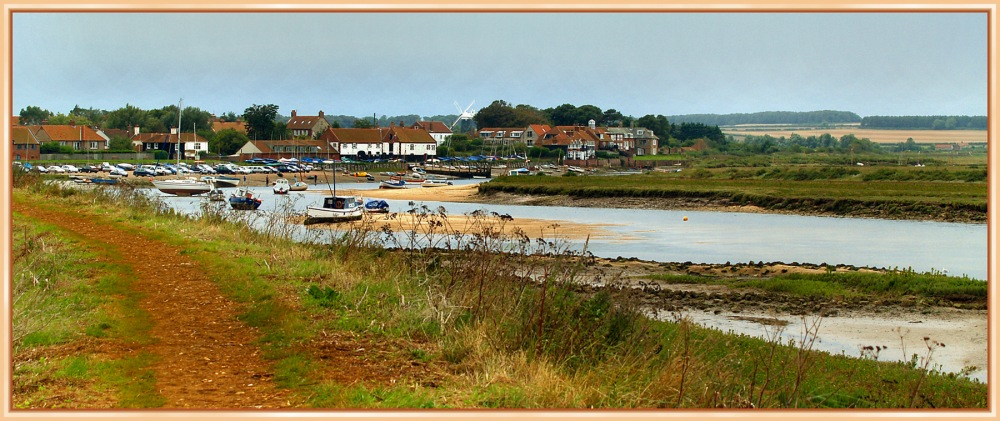 photoblog image Burnham Overy Staithe - The Village