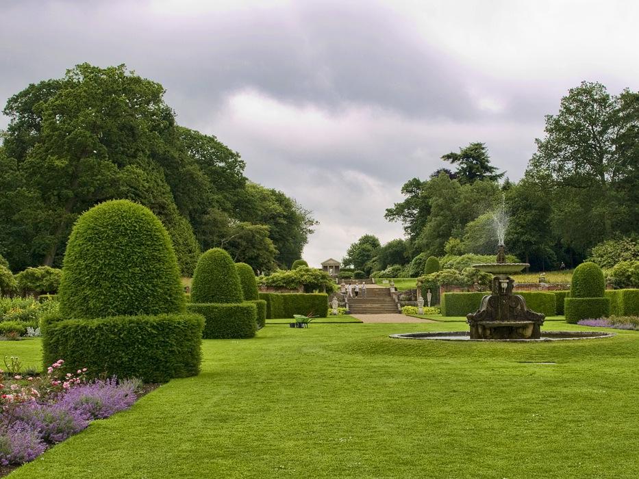 photoblog image Blickling Garden 2/5