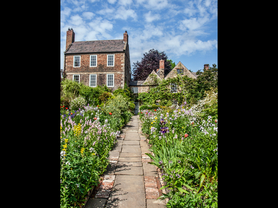 photoblog image Crook Hall Gardens 1/7